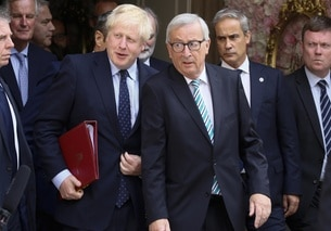 Boris Johnson e Jean-Claude Juncker.